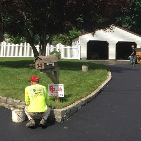 Blue Point Paved Driveway with Cobblestone Edging - 2